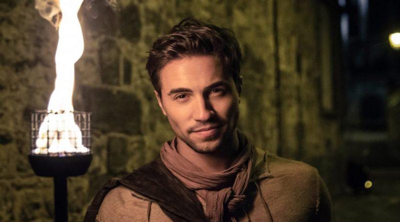 Les 3 Mousquetaires : Olivier Dion entraînant dans le clip De mes propres ailes