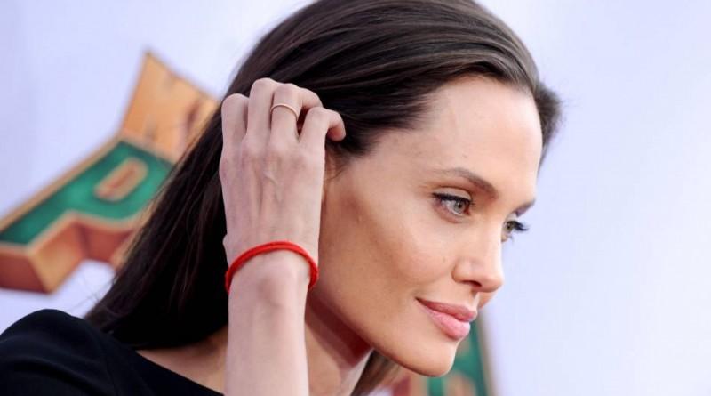 Angelina Jolie plus maigre que jamais
