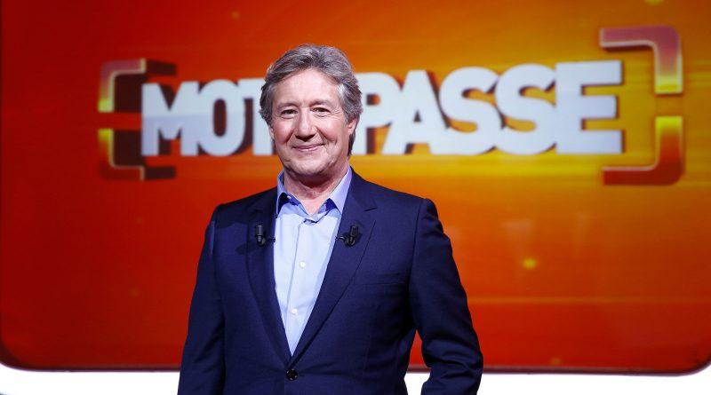 """Patrick Sabatier n'a plus le """"Mot de passe"""" pour plaire à France 2"""